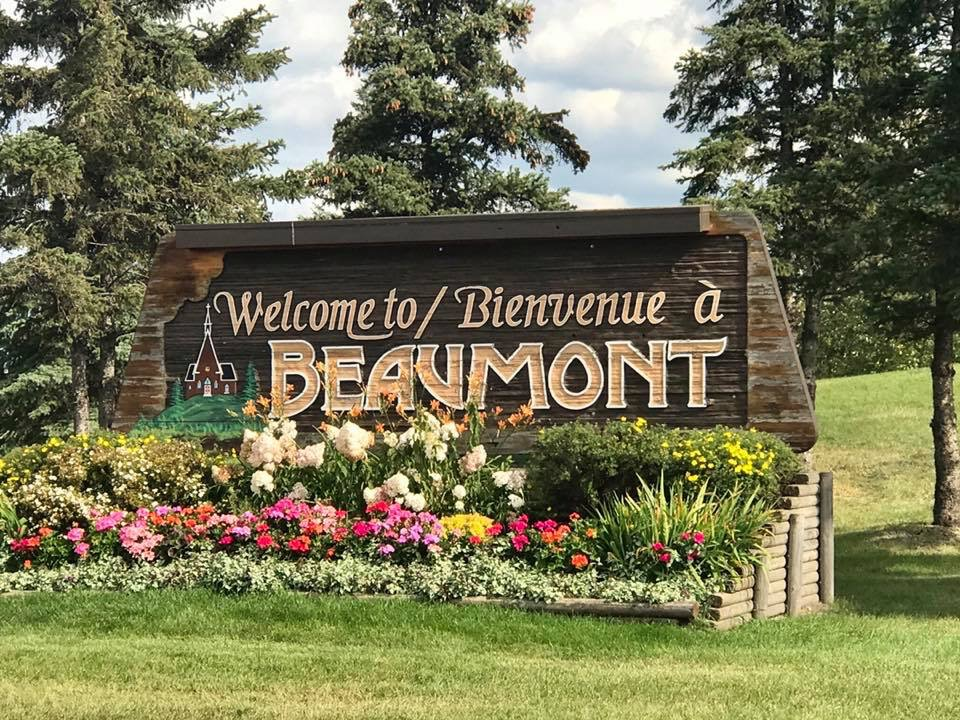 This image has an empty alt attribute; its file name is Beaumont-city-sign.jpg